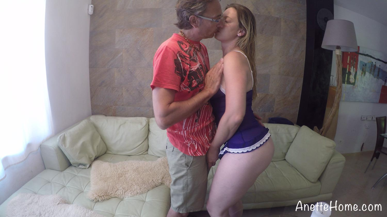 9 cams voyeurs 24h chez un vrai couple amateur francais 9