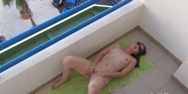masturbation balcon