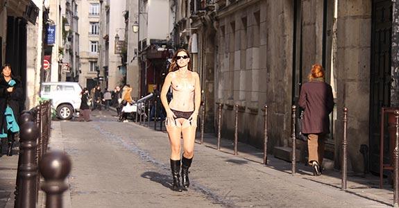 nøgen i paris